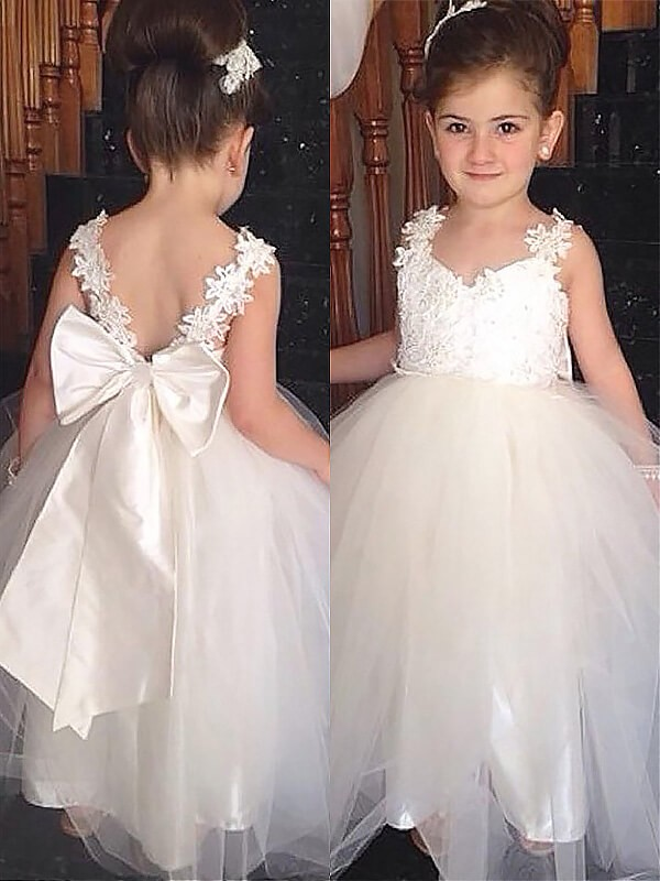 Chic Ball Gown Sweetheart Sleeveless Floor-Length Tulle Flower Girl Dress