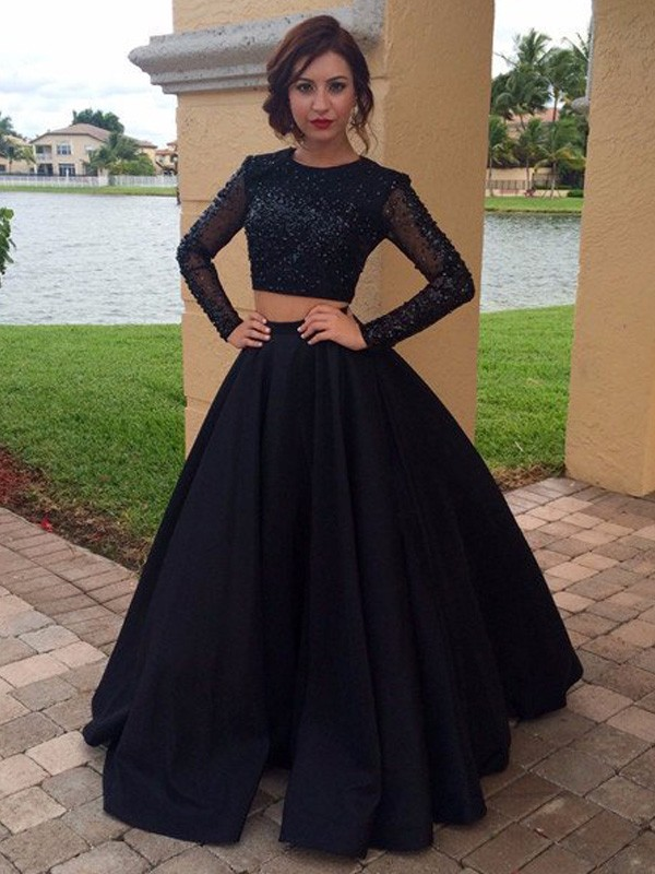 Stunning Ball Gown Long Sleeves Scoop Floor-Length Satin Dress
