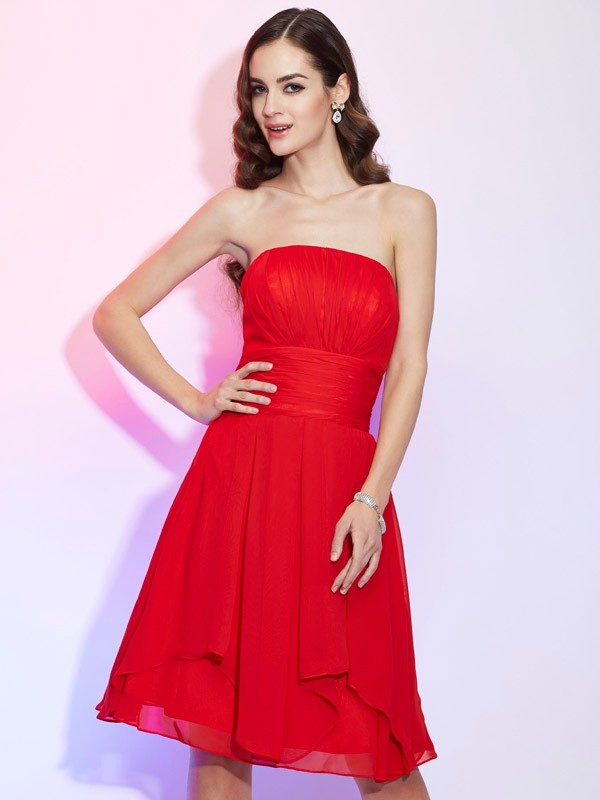 Elegant A-Line Strapless Sleeveless Short Chiffon Bridesmaid Dress