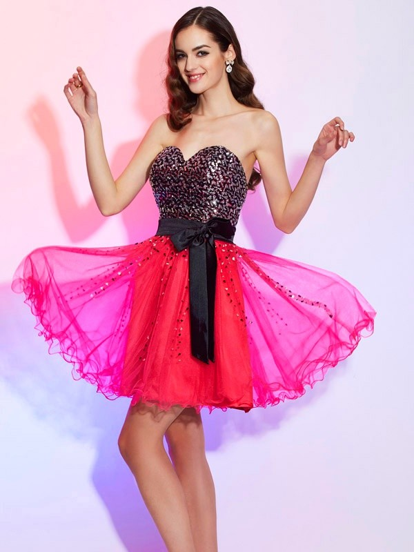 Stylish A-Line Sweetheart Sleeveless Short Organza Homecoming Dress