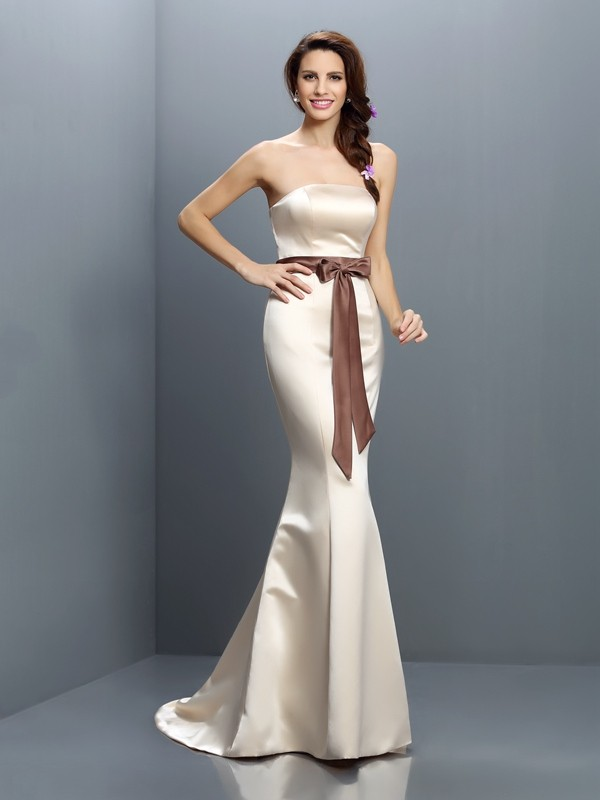 Charming Mermaid Strapless Sleeveless Long Satin Bridesmaid Dress