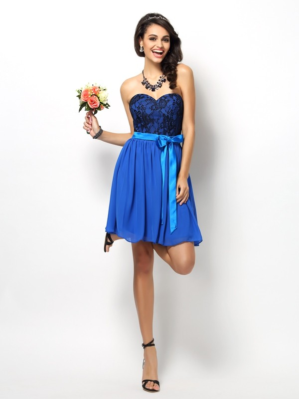 Charming A-Line Sweetheart Lace Sleeveless Short Chiffon Bridesmaid Dress