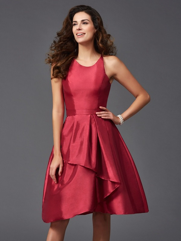 Nice A-Line Scoop Sleeveless Short Taffeta Bridesmaid Dress