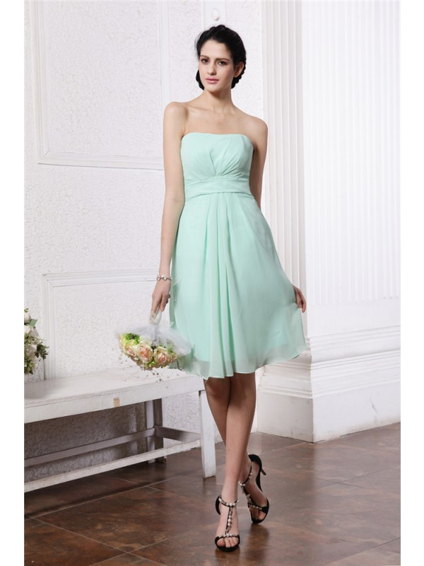 Gorgeous Sheath Strapless Sleeveless Short Chiffon Bridesmaid Dress