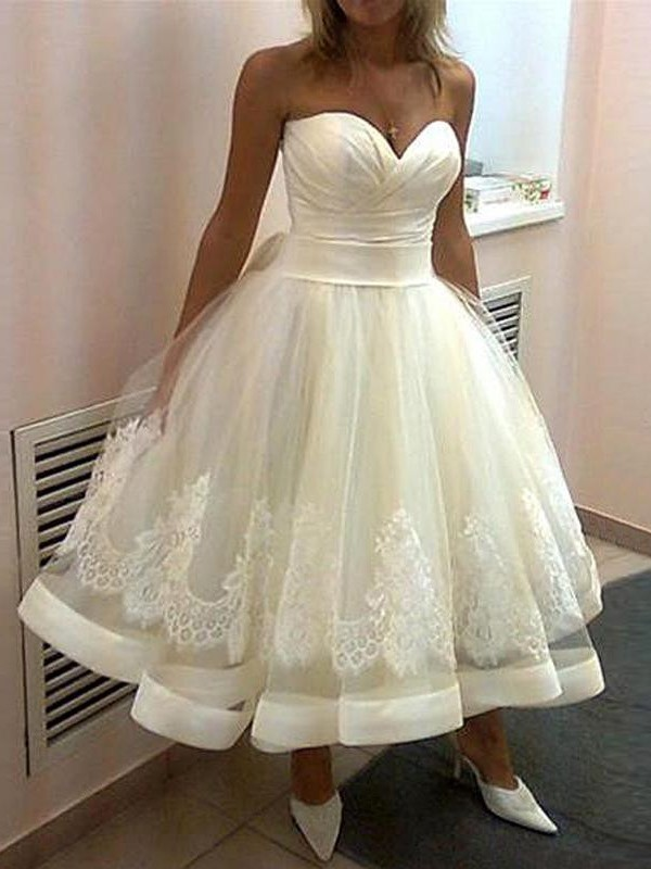 Affordable Ball Gown Sweetheart Tulle Sleeveless Tea-Length Wedding Dress