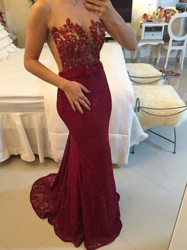 Stunning Sheath Scoop Sleeveless Sweep/Brush Train Lace Dress