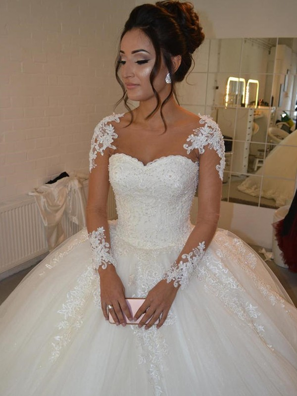 Elegant Ball Gown Tulle Long Sleeves Scoop Court Train Wedding Dress