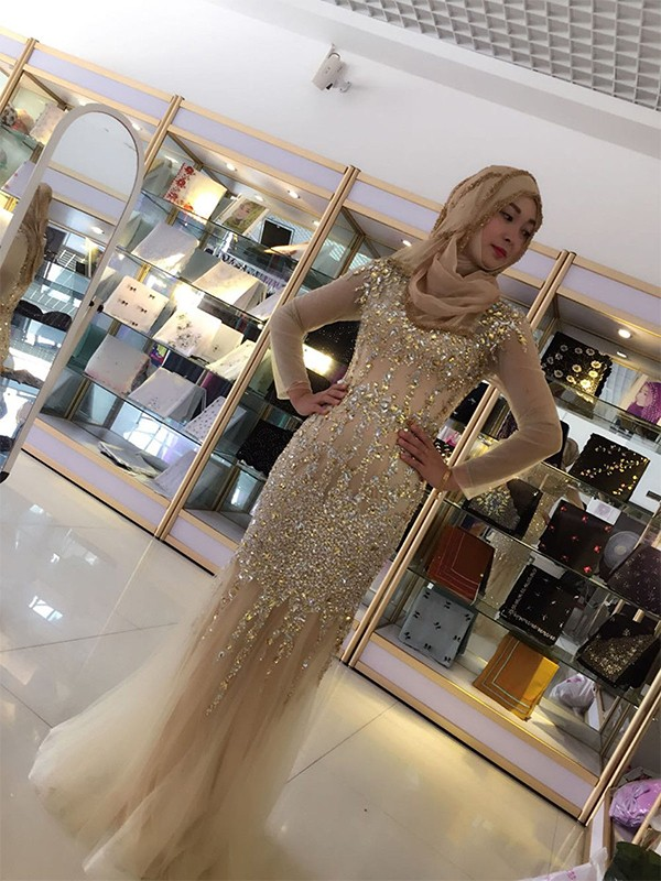 Nice Sheath Long Sleeves Scoop Floor-Length Sequin Tulle Muslim Dress