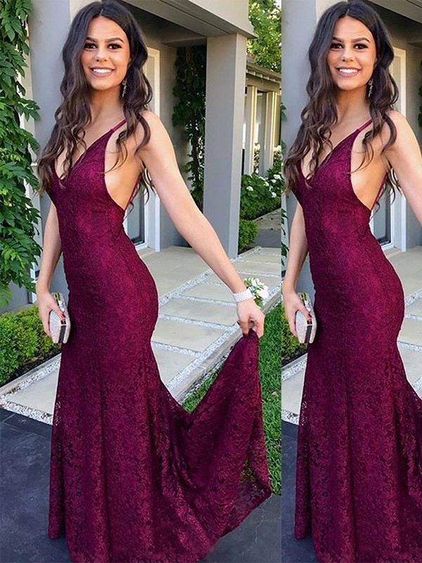 Beautiful Mermaid Sleeveless V-neck Sweep/Brush Train Lace Dress