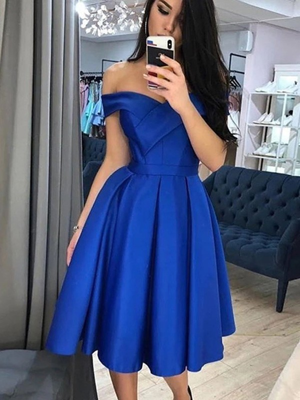 Discount A-Line Satin Off-the-Shoulder Sleeveless Knee-Length Homecoming Dress