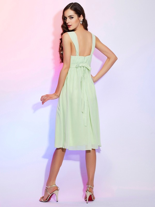Chic A-Line Straps Sleeveless Short Chiffon Bridesmaid Dress