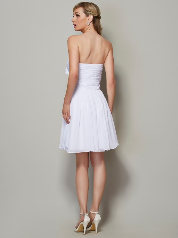 Stylish A-Line Strapless Sleeveless Short Chiffon Bridesmaid Dress