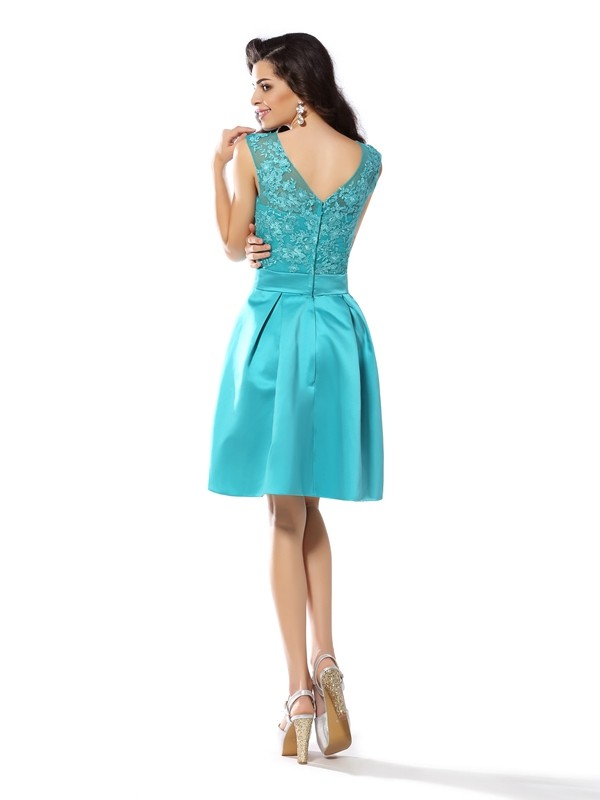 Charming A-Line Scoop Sleeveless Short Satin Cocktail Dress