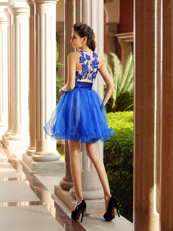 Charming A-Line Bateau Sleeveless Short Organza Cocktail Dress