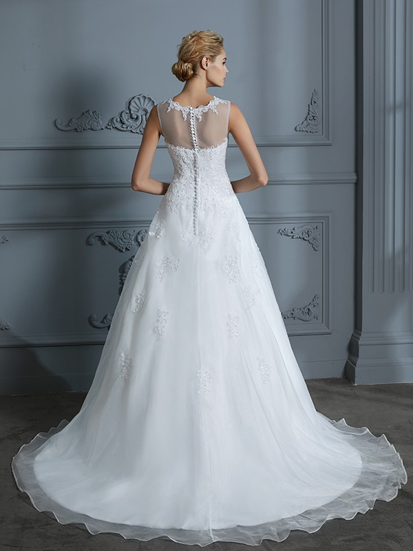 Unique Ball Gown Scoop Sleeveless Tulle Court Train Wedding Dress