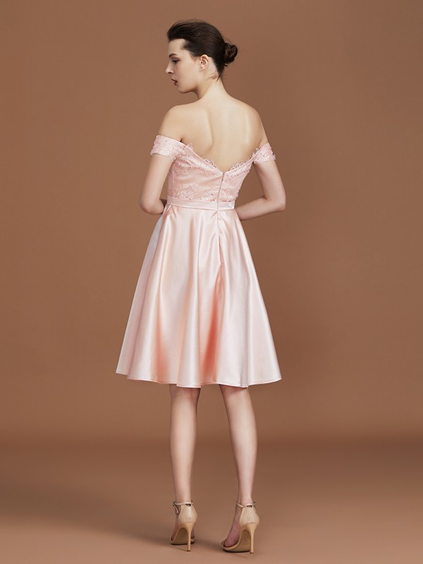 Chic A-Line Sweetheart Knee-Length Off-the-Shoulder Satin Bridesmaid Dress