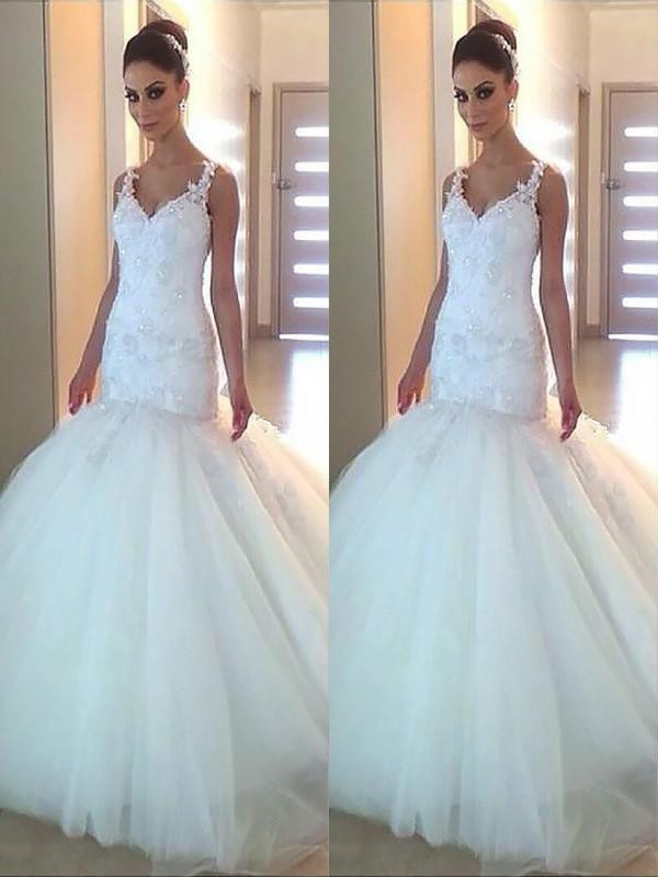 Chic Mermaid V-neck Tulle Sleeveless Court Train Wedding Dress