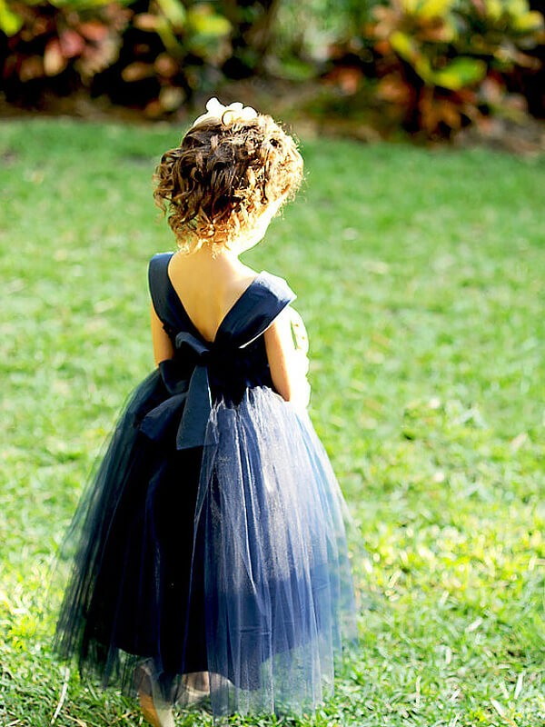 Chic Ball Gown Sweetheart Sleeveless Tea-Length Tulle Flower Girl Dress