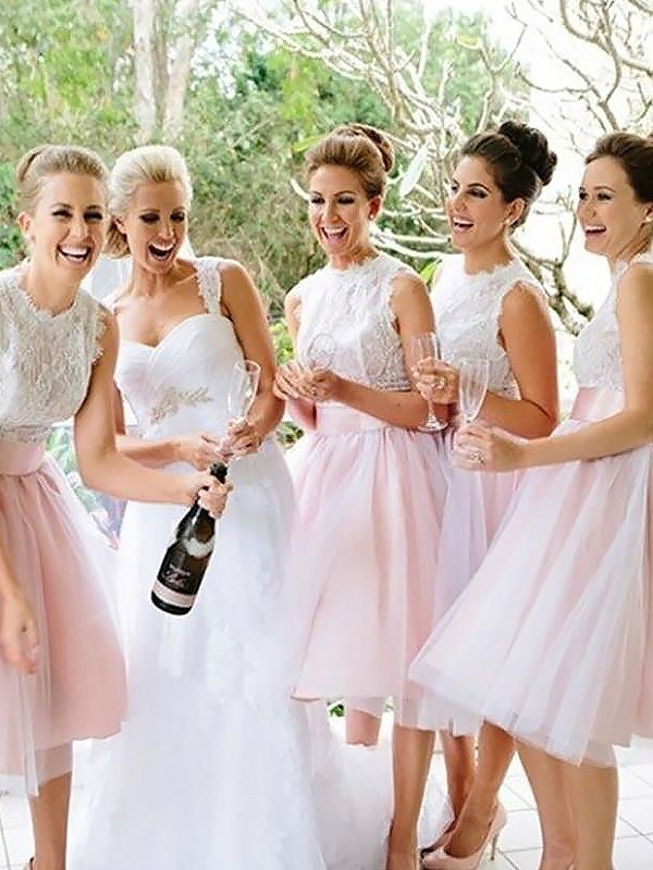 Exquisite A-Line Sleeveless Scoop Tulle Knee-Length Bridesmaid Dress