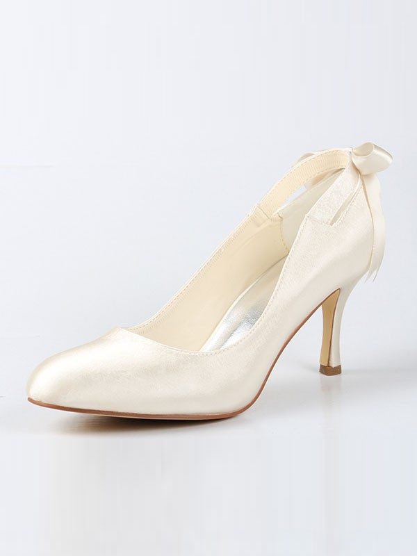 Classical Women Satin Closed Toe Spool Heel Ivory Wedding Shoes