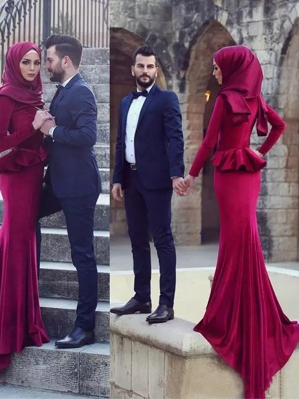 Discount Mermaid Long Sleeves Scoop Sweep/Brush Train Velvet Muslim Dress